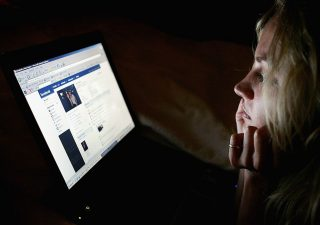 Facebook sbarca nel mondo dei pagamenti digitali: al via il servizio