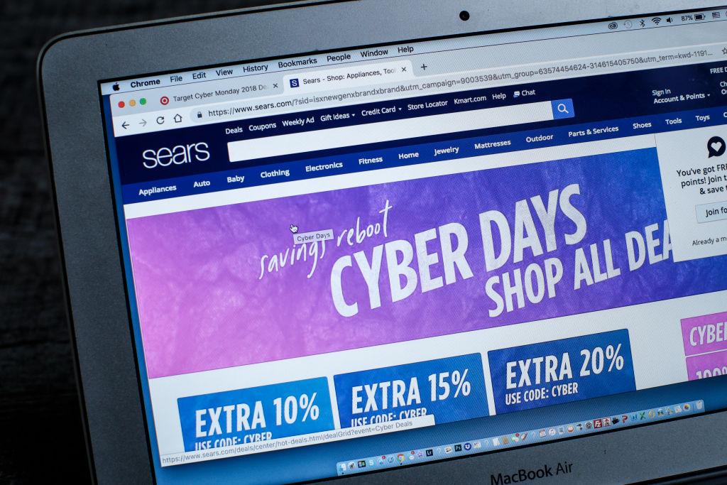 Cyber Monday: vendite stimate a 9,4 mld di dollari, superato il Black Friday