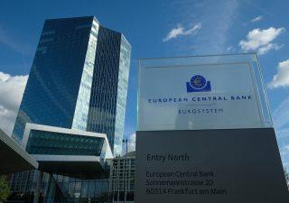 BCE: italiani scaricano bond, in cinque anni dismessi titoli per 223 miliardi