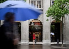Elezioni Usa restano un rebus, UBS consiglia di puntare sull'oro