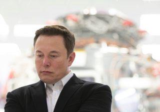 Tesla: Musk teme crollo azioni, ecco cosa ha scritto ai dipendenti