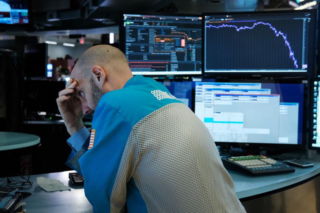 COVID-19 affossa i mercati: premier inglese positivo e Londra cede quasi il 5%