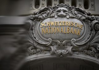 Coronavirus manda in rosso la Banca centrale svizzera