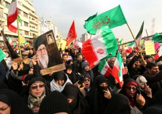Iran cerca la condanna a morte per Trump:
