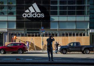 Adidas vs Nike: per il titolo tedesco rendimento totale del 352% dal 2015