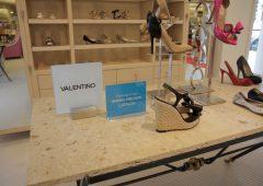 Valentino vuole chiudere boutique sulla Quinta Strada di New York, fa causa al proprietario