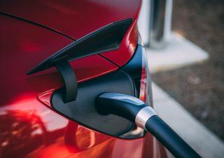 Auto: ibride, elettriche e a basso impatto ambientale, ecco cosa possono scegliere gli italiani