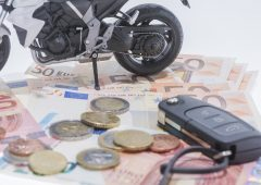 Rc familiare: ecco quanto si risparmia per l'auto e la moto