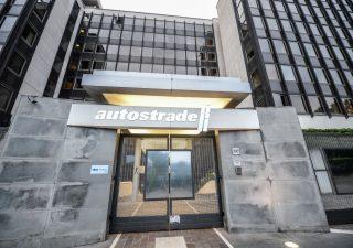 Conte stringe su revoca ad Aspi, Atlantia: si rischia il default