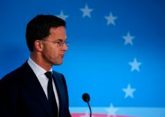 """Riparte il Consiglio europeo, Conte e Merkel: """"Ora accordo è possibile"""""""