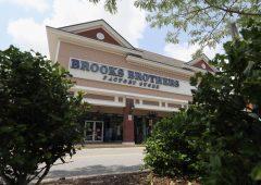 Le camicie Brooks Brothers affossate dal coronavirus, sull'orlo della bancarotta