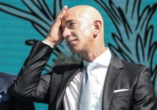 Jeff Bezos: ricchezza senza freni, primo a superare la soglia dei 200 miliardi