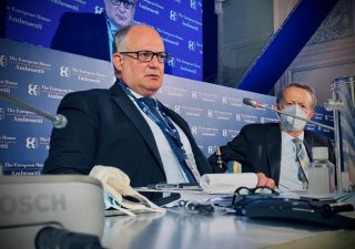 Economia, cauto ottimismo del ministro Gualtieri a Cernobbio (VIDEO)