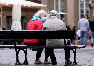 Milioni di lavoratori in pensione con metà dello stipendio: l'allarme di MoneyFarm