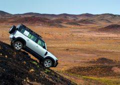 Land Rover Defender, leggendaria e inarrestabile