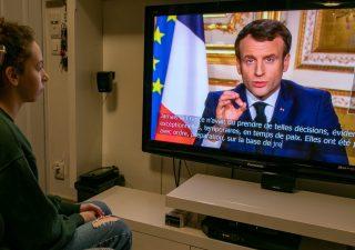 Covid, verso nuovi blocchi in Europa, stasera Macron parla ai francesi