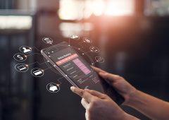 Digitalizzazione, parola d'ordine nel futuro di banche e assicurazioni