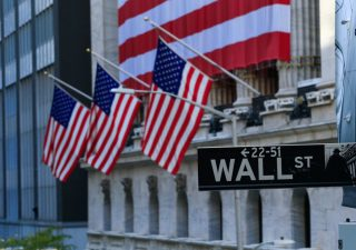 Il Dow Jones supera quota 30mila punti per la prima volta