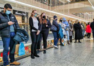 Confcommercio: risparmi da lockdown spesi per gli acquisti di Natale