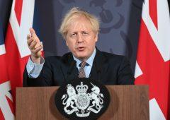 """Brexit: tra Ue e UK è scoppiata """"la guerra delle salsicce"""""""