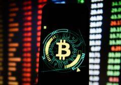 Bitcoin: continua il sell-off, prezzi sotto 45.000 dollari