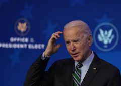 Biden prepara la sterzata: oltre 10 ordini esecutivi nel giorno dell'insediamento
