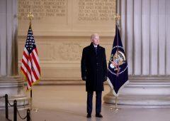 Biden: raffica di ordini esecutivi per rompere con Trump, le priorità dei primi cento giorni