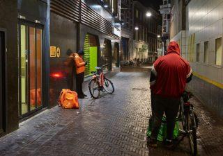 Commercio, servizi e intrattenimento: i settori più colpiti dalla crisi
