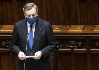 Vaccini: Draghi vuole produrli anche in Italia: il piano per uscire dalla crisi