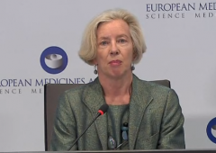 "Vaccini: per l'Ema AstraZeneca ""è efficace e sicuro"""