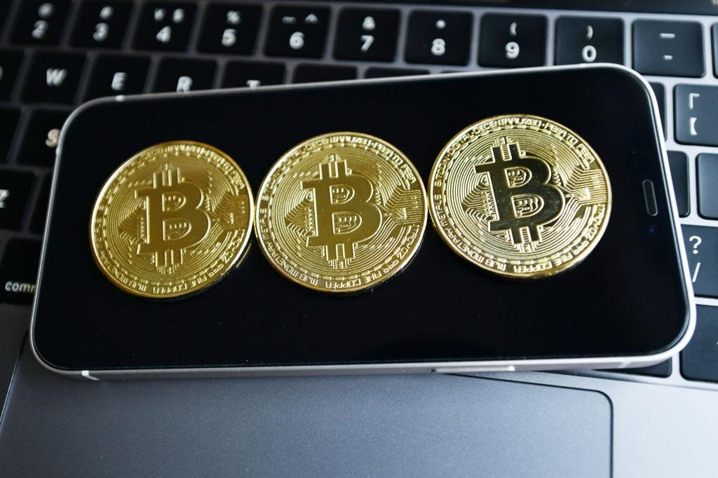 bitcoin crollo novembre 2021)
