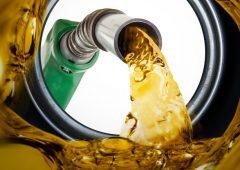 Codacons: caro benzina fa salire inflazione, +246 euro annui a famiglia