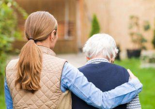 Quota 102, allo studio agevolazione pensioni per caregiver, lavoratori precoci e madri