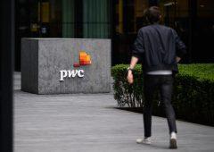 PwC: dopo la pandemia, i dipendenti potranno scegliere l'orario di lavoro