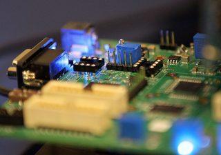 Crisi semiconduttori: analisti prevedono effetti fino al 2023