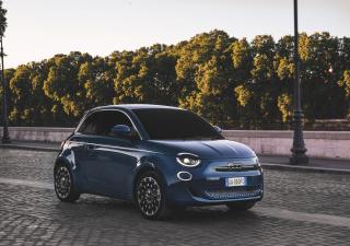 Fiat Nuova 500. Ama il futuro come il passato