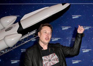 Elon Musk ora non pensa a Bitcoin, ma a quotare un pezzo di SpaceX