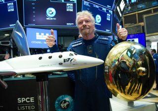 Richard Branson al lavoro per andare nello spazio prima di Bezos