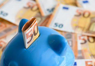 Risparmiare per la pensione: quanto mettere da parte in base al reddito
