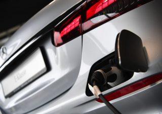 Mercedes sfida Nio e Tesla: solo auto elettriche dal 2030