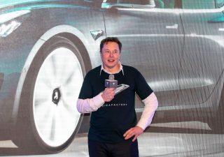 Criptovalute, Musk contro regolamentazione: