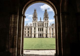 Brexit: crollano iscrizioni di studenti Ue alle università di Oxford e Cambridge