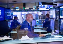 Mercati azionari: nuovi segnali di debolezza per Wall Street