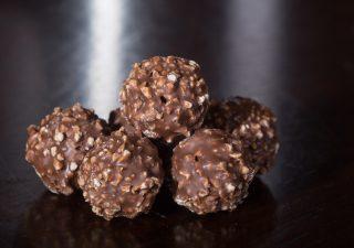Il Ferrero Rocher anche in formato tavoletta per conquistare mercato da 500 mln