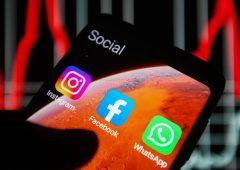 Facebook, dietro il blocco spuntano denunce e spionaggio