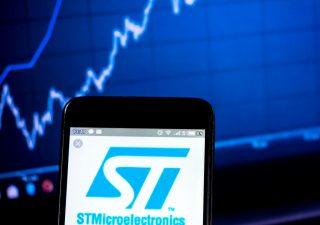 STM: per gli analisti il titolo ha spazio per correre, fioccano i